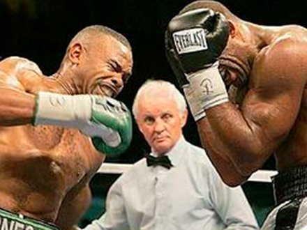 Roy Jones vs. Prince Badi Ajamu fight photo
